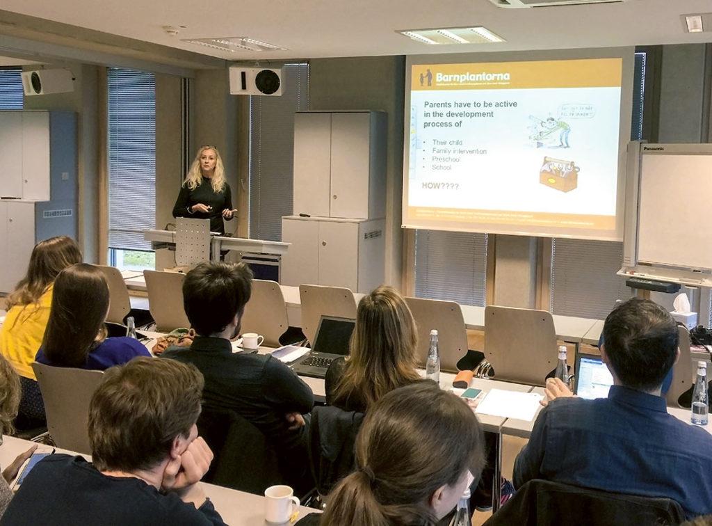 Barnplantorna deltager vid en rad forskarmöten t.ex. med det europeiska forskarnätverket iCare. Här en bild från ett möte med iCare i Aachen 2016.